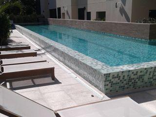 DS SERVIÇOS DE LIMEZA Офісні будівлі Плитки Білий
