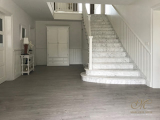 Marcotte Style Country style corridor, hallway & stairs Wood White