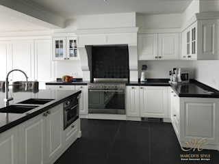 Marcotte Style Built-in kitchens MDF Brown