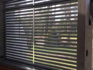 DIVERSA INTERIORISMO 窗戶與門百葉窗與捲簾