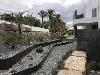 Ecossistemas Minimalist style garden