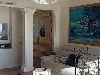 Nido al mare Dr-Z Architects Soggiorno in stile mediterraneo Legno Bianco