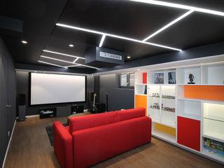 Agence ADI-HOME Ruang Media Modern