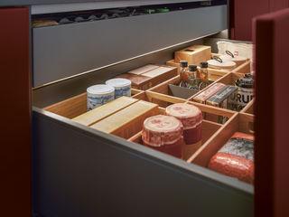 Hochwertige Inselküche von next125 Spitzhüttl Home Company KücheBesteck, Geschirr und Gläser