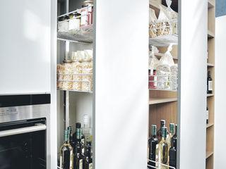 Erstklassige Inselküche von next125 Spitzhüttl Home Company KücheSchränke und Regale