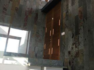 Wandersleben Chiang Soc. de Arquitectos Ltda. Mediterranean corridor, hallway & stairs