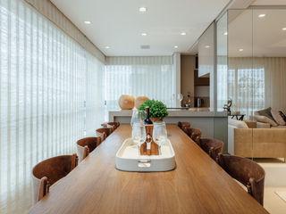 Apartamento de Santo Inácio - Extreme makeover RUTE STEDILE INTERIORES Salas de jantar modernas