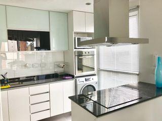 D4-Arquitectos Cocinas modernas Vidrio Blanco