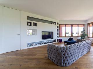 Penthouse ristrutturami SoggiornoDivani & Poltrone Legno