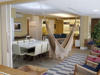 Tikkanen arquitetura 现代客厅設計點子、靈感 & 圖片