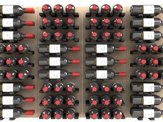 Garrafeiros - Adegas para Vinho Bodegas modernas Compuestos de madera y plástico Multicolor