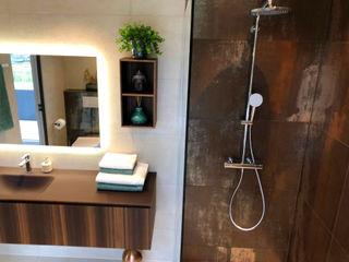 Rifinitura di un ambiente bagno a Spa, Belgio Quaranta Ceramiche Srl BagnoVasche & Docce