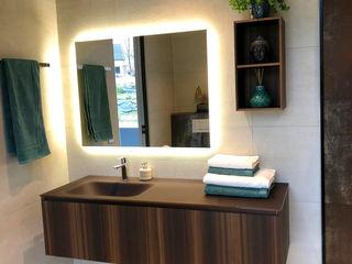 Rifinitura di un ambiente bagno a Spa, Belgio Quaranta Ceramiche Srl BagnoIlluminazione