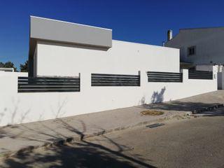 Mil Aço Unipessoal Lda JardinesCercos y muros Hierro/Acero Gris