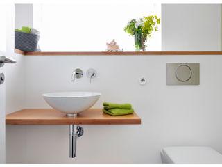 Heerwagen Design Consulting Modern Bathroom