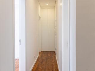 Decor-in, Lda Modern corridor, hallway & stairs Wood White