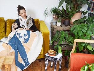 Interior Design Living Room with plants Cuemars Ruang Keluarga Modern