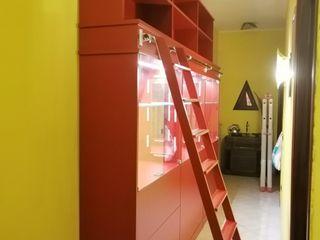 Mobili in vero legno che durano nel tempo, qualità garantita e montaggi a regola d'arte. Falegnameria Conca Falegnameria Conca SoggiornoSupporti TV & Pareti Attrezzate Legno Rosso