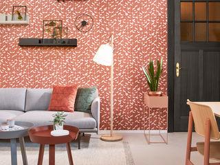 Grafische Tapeten im eleganten Look: Tapetenkollektion TINTED TILES von Hooked on Walls Tapeten & Uhren Wände & BodenTapeten