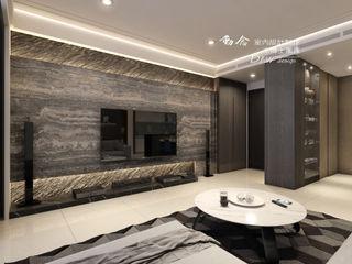 沉邃放鬆 微奢飯店風情-- 仁山洺悅 木博士團隊/動念室內設計制作 現代風玄關、走廊與階梯