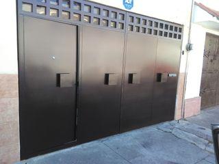 PUERTAS AUTOMÁTICAS GROSSMANN Front doors Metal