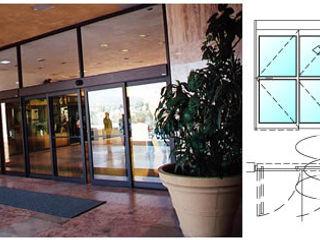 PUERTAS AUTOMÁTICAS GROSSMANN Office buildings Glass