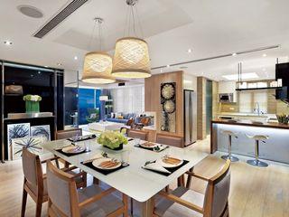 ParkLand, Shenzhen China Darren Design & Associates 戴倫設計 Modern dining room Wood White