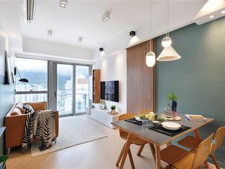 One Kai Tak, Hong Kong Darren Design & Associates 戴倫設計 Modern living room Wood White
