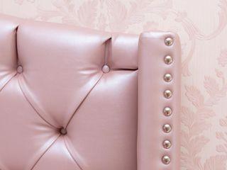 Monica Saravia Meisjeskamer Roze