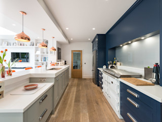 Bespoke hand painted kitchen in Navy and Grey with Copper and orange highlights by Christopher Howard Christopher Howard Built-in kitchens Blue