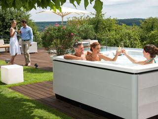 Grillplatz im Garten SPA Deluxe GmbH - Whirlpools in Senden Moderner Garten