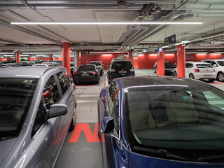 Parkgarage Bilton International GmbH Industriale Garagen & Schuppen