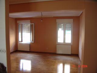 Reforma de Apartamento ESTUDIO FRANCIA INTERIORISMO Dormitorios de estilo moderno