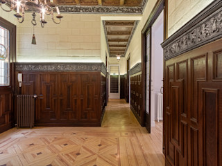 Arquigestiona Reformas S.L. Classic style corridor, hallway and stairs Solid Wood Wood effect