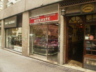 Locales Comerciales. Alimentación ESTUDIO FRANCIA INTERIORISMO Puertas y ventanas de estilo rústico