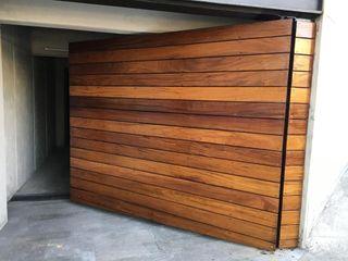 Suministro y colocación de Deck en Fachada e interiores Onice Pisos y Decoracion Condominios Madera maciza