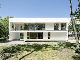 063大町青木湖Yさんの家 atelier137 ARCHITECTURAL DESIGN OFFICE 木造住宅 ガラス 白色