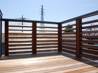 田村建築設計工房 Balcon, Veranda & Terrasse asiatiques