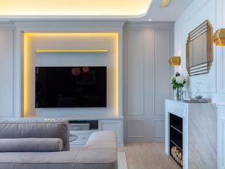 Celeste and the Sea - Alto Residences, Hong Kong Grande Interior Design Classic style living room