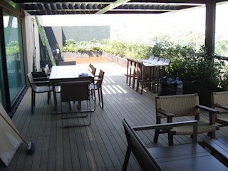 INGENIERIA Y DISEÑO EN CRISTAL, S.A. DE C.V. Balcones y terrazas de estilo moderno Madera Acabado en madera