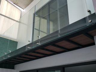 INGENIERIA Y DISEÑO EN CRISTAL, S.A. DE C.V. Balcón Compuestos de madera y plástico Acabado en madera