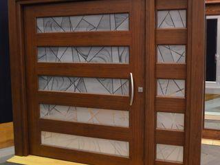 INGENIERIA Y DISEÑO EN CRISTAL, S.A. DE C.V. Puertas y ventanasPuertas Aluminio/Cinc Acabado en madera