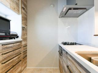 ナイトウタカシ建築設計事務所 Modern Kitchen Beige