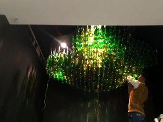 mrittika, the sculpture 모던스타일 다이닝 룸 유리 녹색