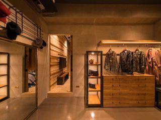 銳龍工藝設計 Dressing roomWardrobes & drawers Wood Black