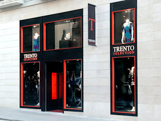 Boutique de Moda Femenina Barcelona MANUEL TORRES DESIGN Oficinas y tiendas de estilo moderno Negro