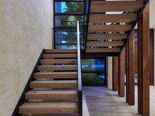 Modern Villa with Pool, Abingdon, Oxfordshire Abodde Luxury Homes 계단