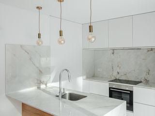 Tiago do Vale Arquitectos Cozinhas minimalistas Mármore Branco