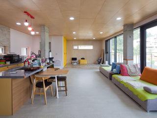 위드하임 Withheim 现代客厅設計點子、靈感 & 圖片