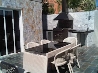 CelyGarciArquitectos Balcones y terrazas de estilo moderno Hierro/Acero Metálico/Plateado